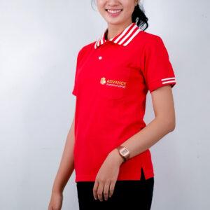 เสื้อโปโล สีแดง สกรีน Advance Aluminium Desige