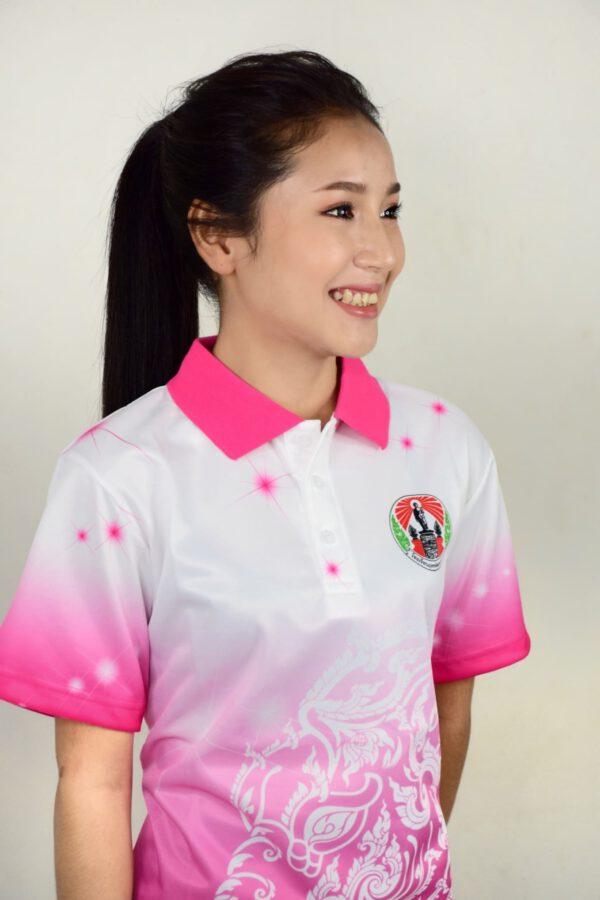 เสื้อโปโลหญิงสีขาว ไล่สีชมพู